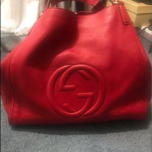 Gucci hobo.  I loveee this bag!